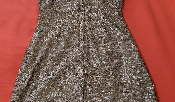 Badgley Mischka Gold Sequin Dress Size: 2